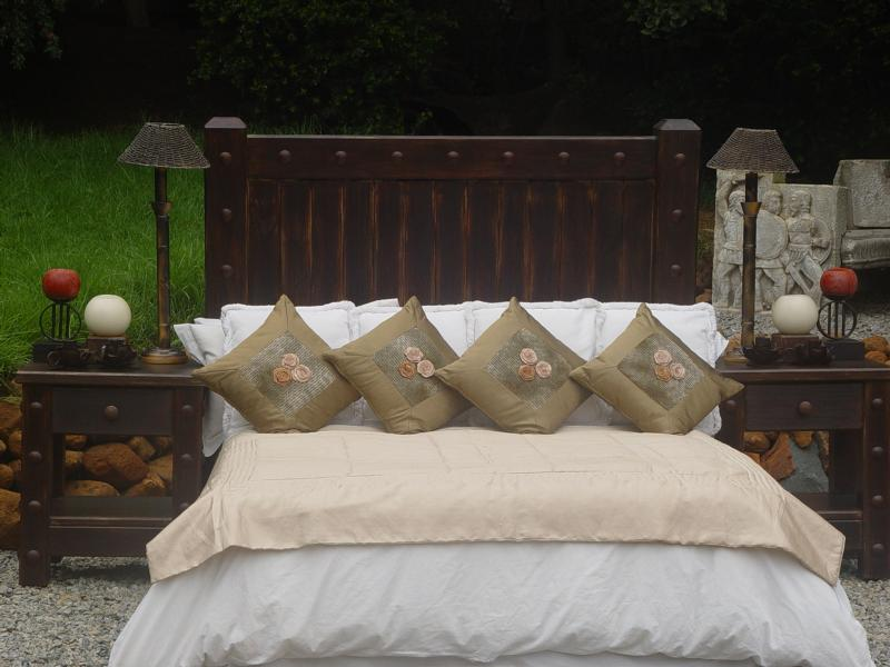 Top bedroom furniture beds african lodge interior design south africa 800 x 600 · 62 kB · jpeg